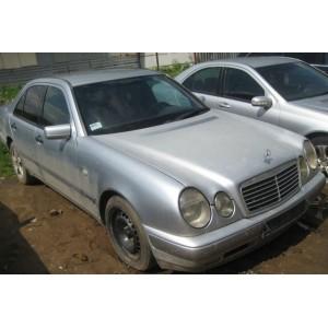 Mercedes W210 E220